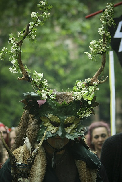 http://lune.le-sidh.org/wp-content/uploads/2013/04/beltane.jpg